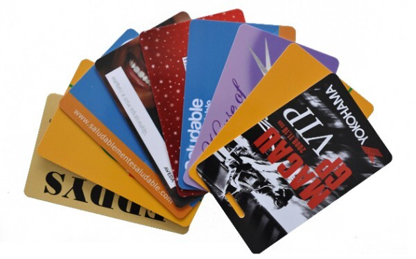 thẻ nhựa đem đến nhiều lợi ích khác nhau